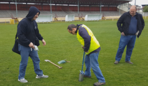 Installing the sensors on a football field in Saint Quentin